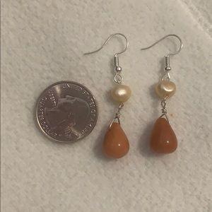 NWT natural agate freshwater pearl drop earrings